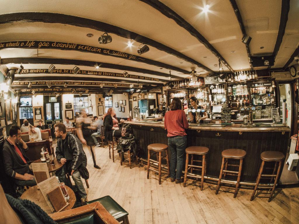 pub grassmarket edimbourg ecosse edinburgh scotland