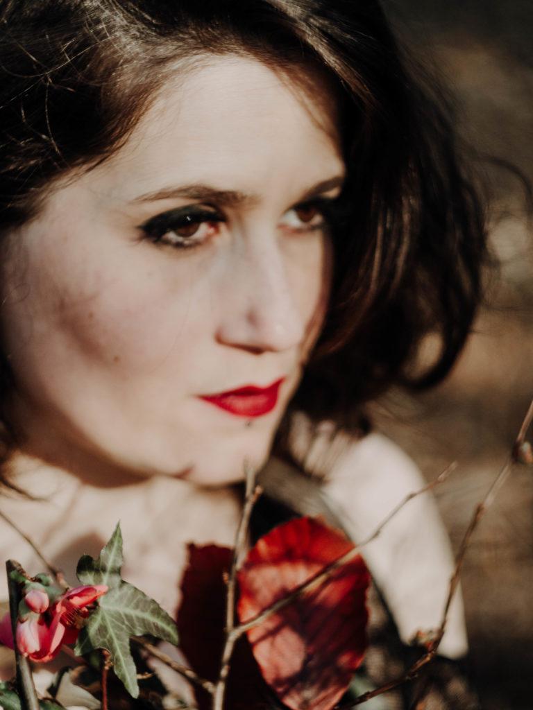Pauline - Jeux de Fleurs - BLuzynska Photographie