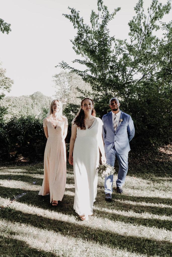 trio mariée et ses témoins