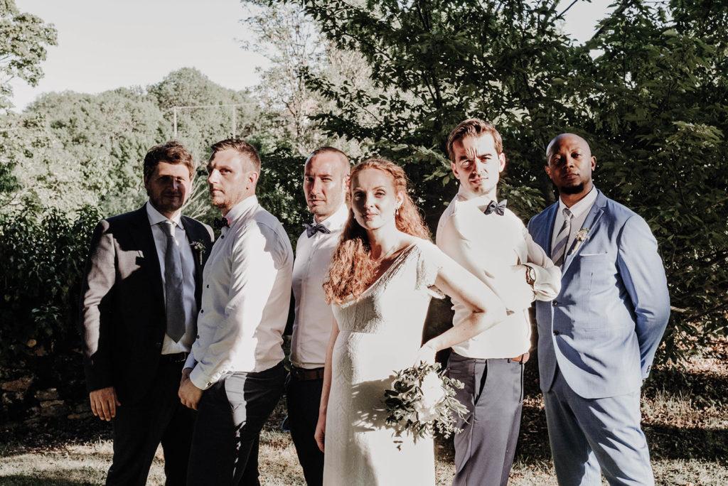 photo groupe mariée avec les témoins version boysband