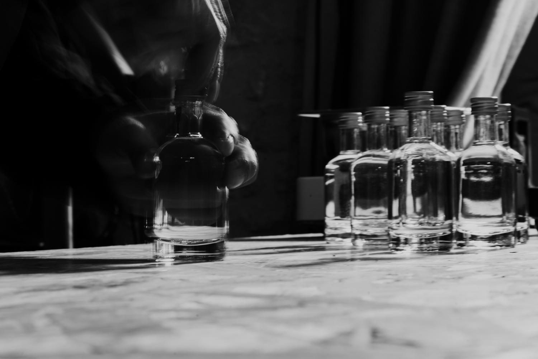 embouchonnage des échantillons de whisky