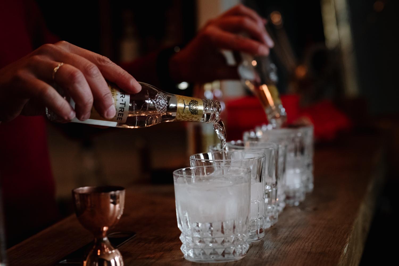 préparation des gin tonic